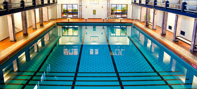 Pool Maintenance Tips – Queen Pools and Spas